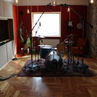 Yamaha Stage Custom, old rug, custom-made larch parquetry floor